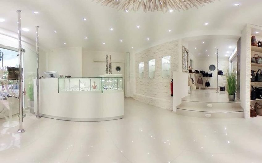 High Quality Shop In Centre Of Cala d'Or